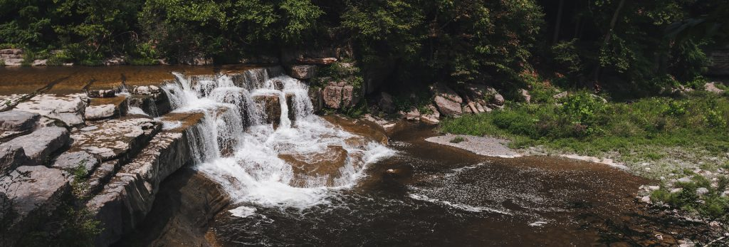 Plan your visit to Ithaca, NY after viewing our photos of hikes and waterfalls in state parks near Ithaca, New York, United States.